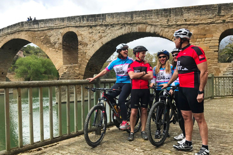 Cycling Spain :: Camino De Santiago - Ciclistas
